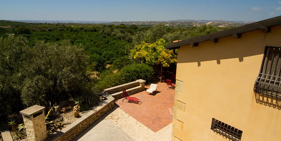 Vista panoramica sul retro della villa