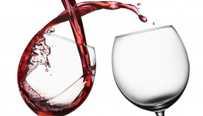 Vino_rosso_benefici_per_la_salute-1024x781